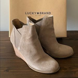 Lucky Brand suede wedges 8